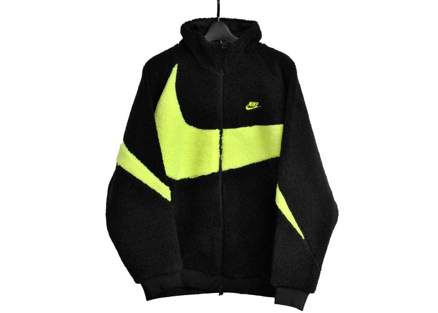Nike Big Swoosh Boa Jacket Black Voltの写真