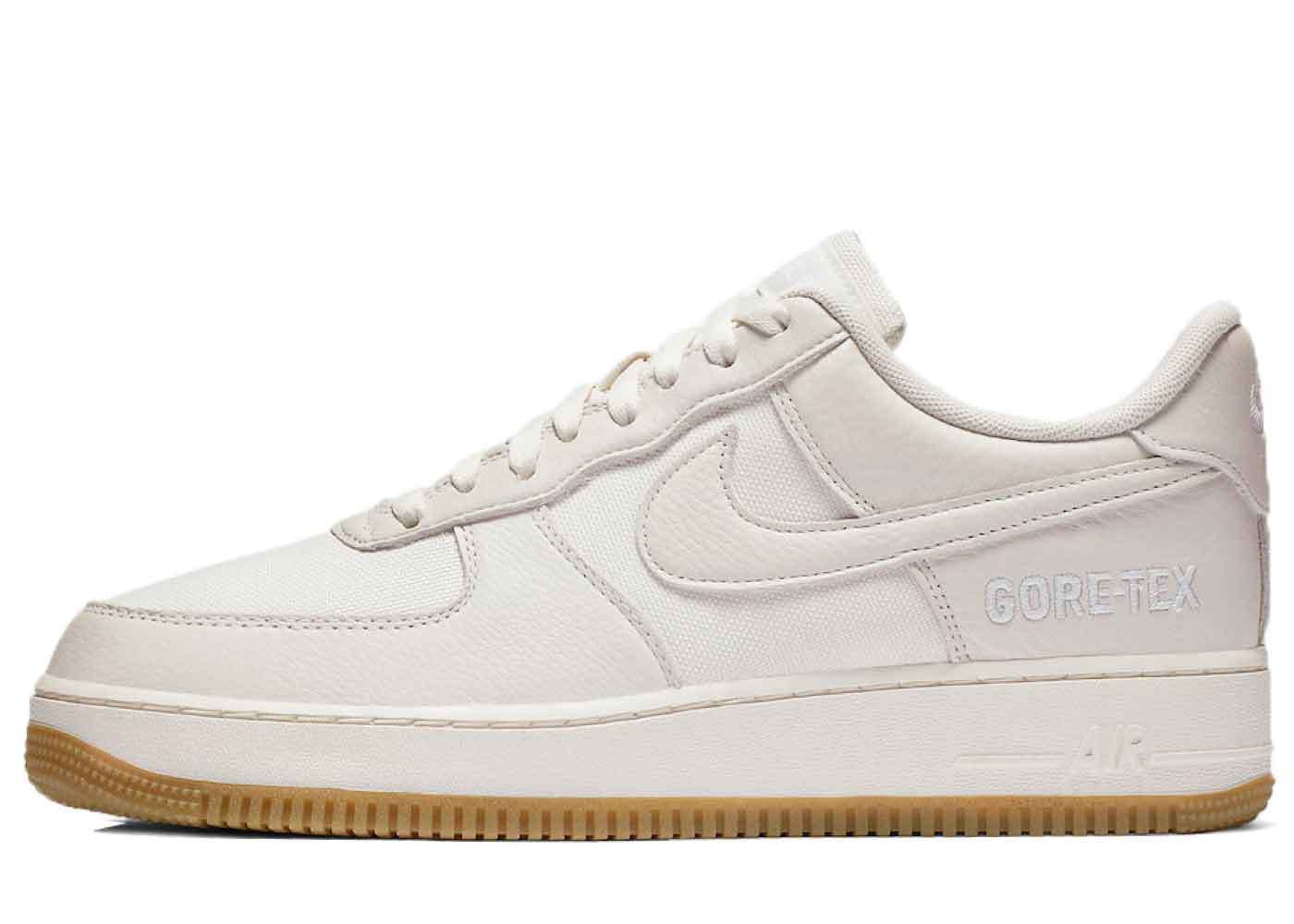 Nike Air Force 1 Low Gore-Tex Sail Gumの写真