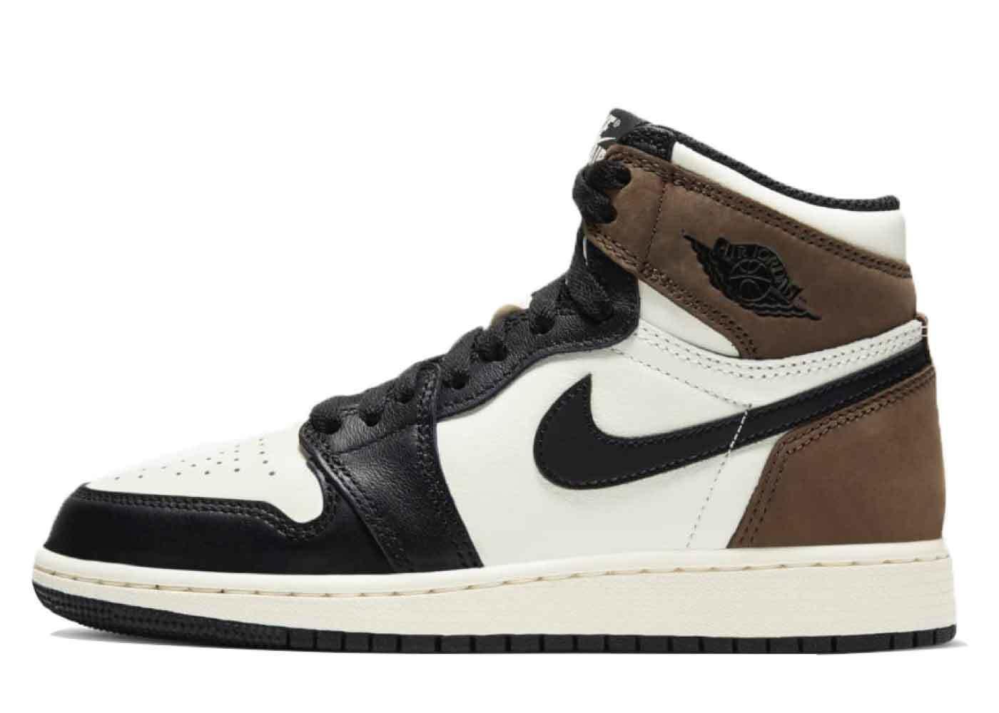 Nike Air Jordan 1 Retro High OG Dark Mocha GSの写真