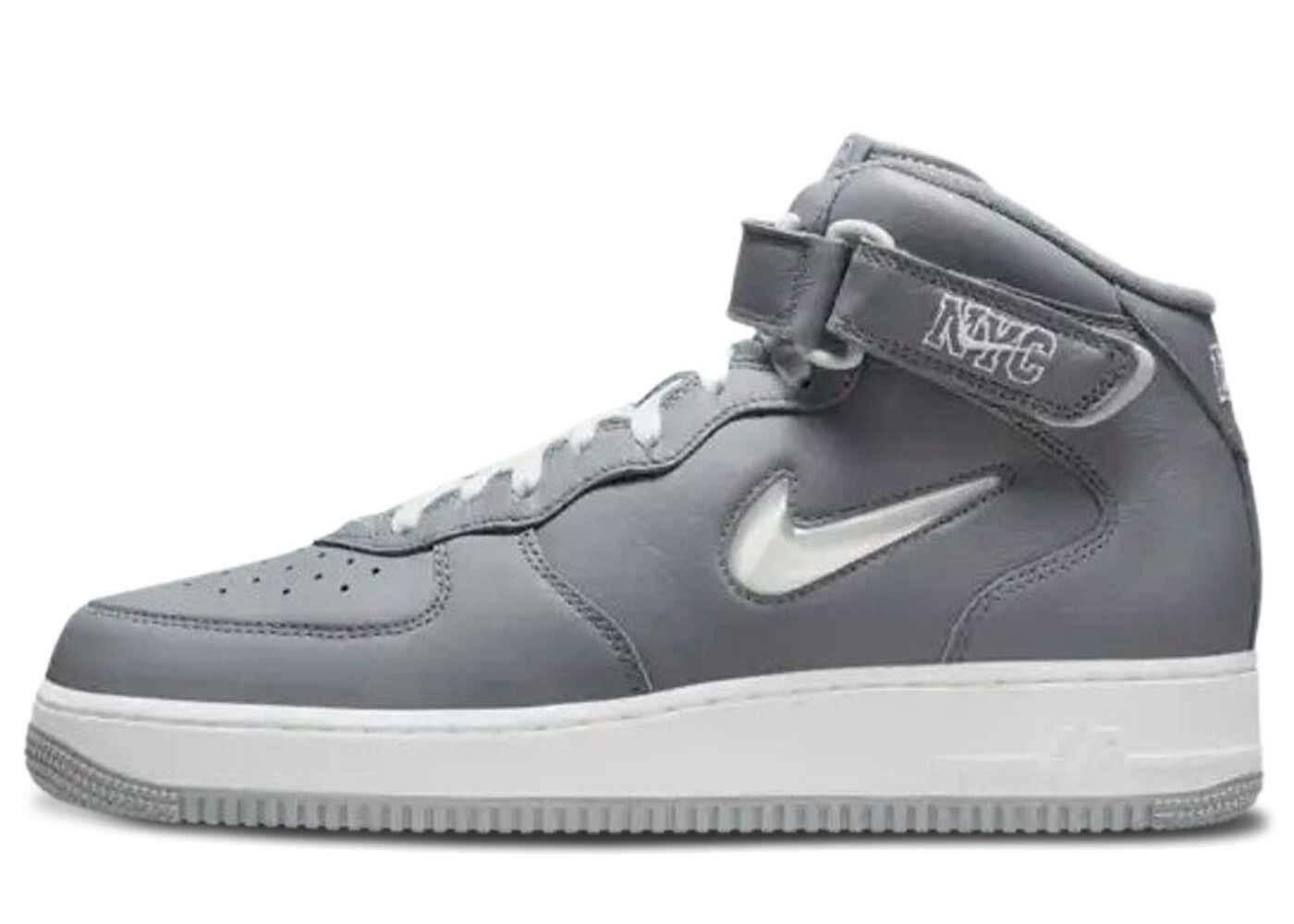 Nike Air Force 1 Mid NYC Cool Greyの写真