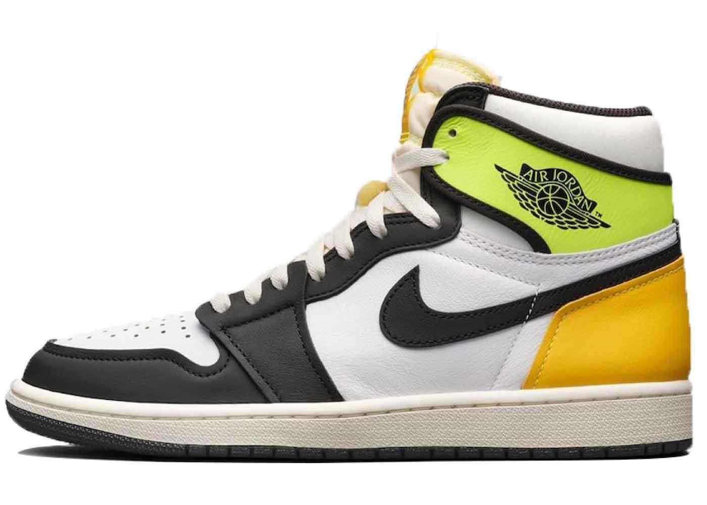 Nike Air Jordan 1 Retro High OG Volt Goldの写真