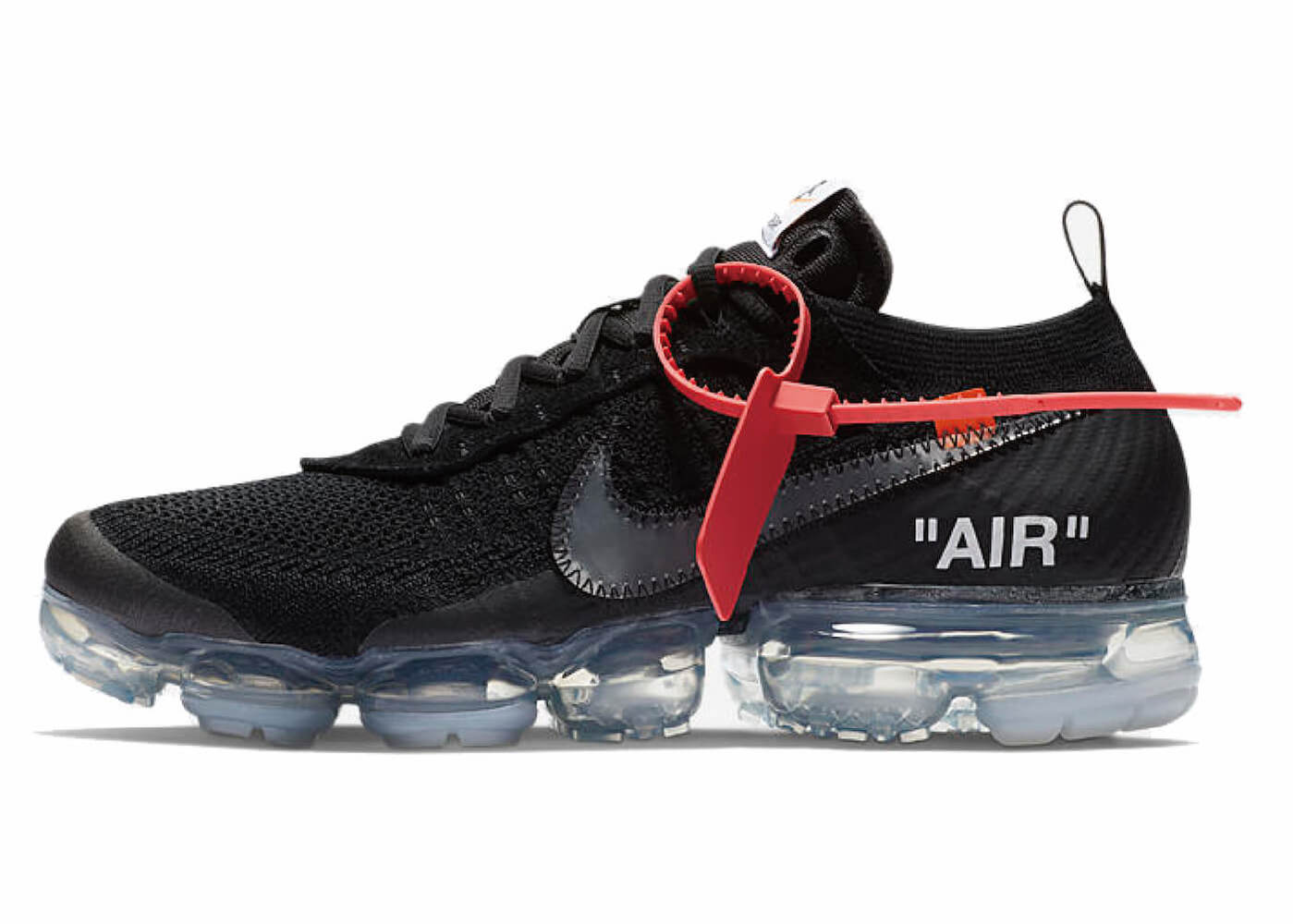 OFF-WHITE × NIKE AIR VAPORMAX BLACKの写真