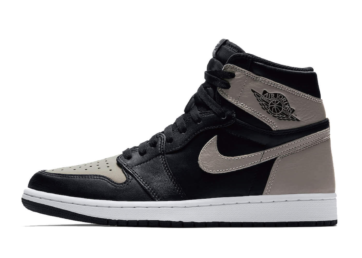 JORDAN 1 RETRO HIGH OG SHADOW (2018)の写真