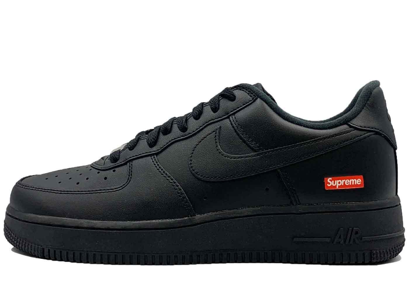 Supreme × Nike Air Force 1 Low Blackの写真