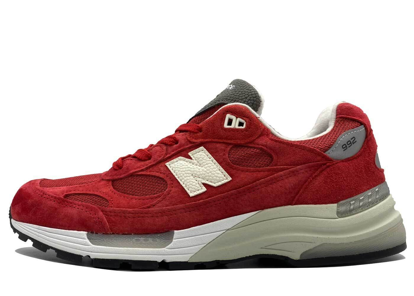 Kith × New Balance 992 Kithmas Redの写真