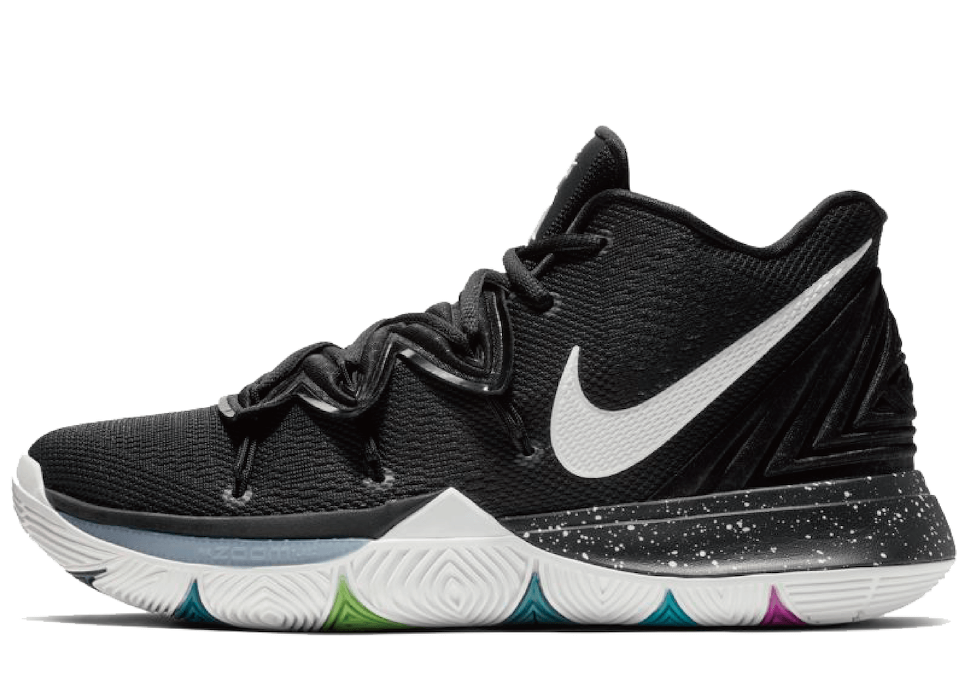 Nike Kyrie 5 Black Magicの写真