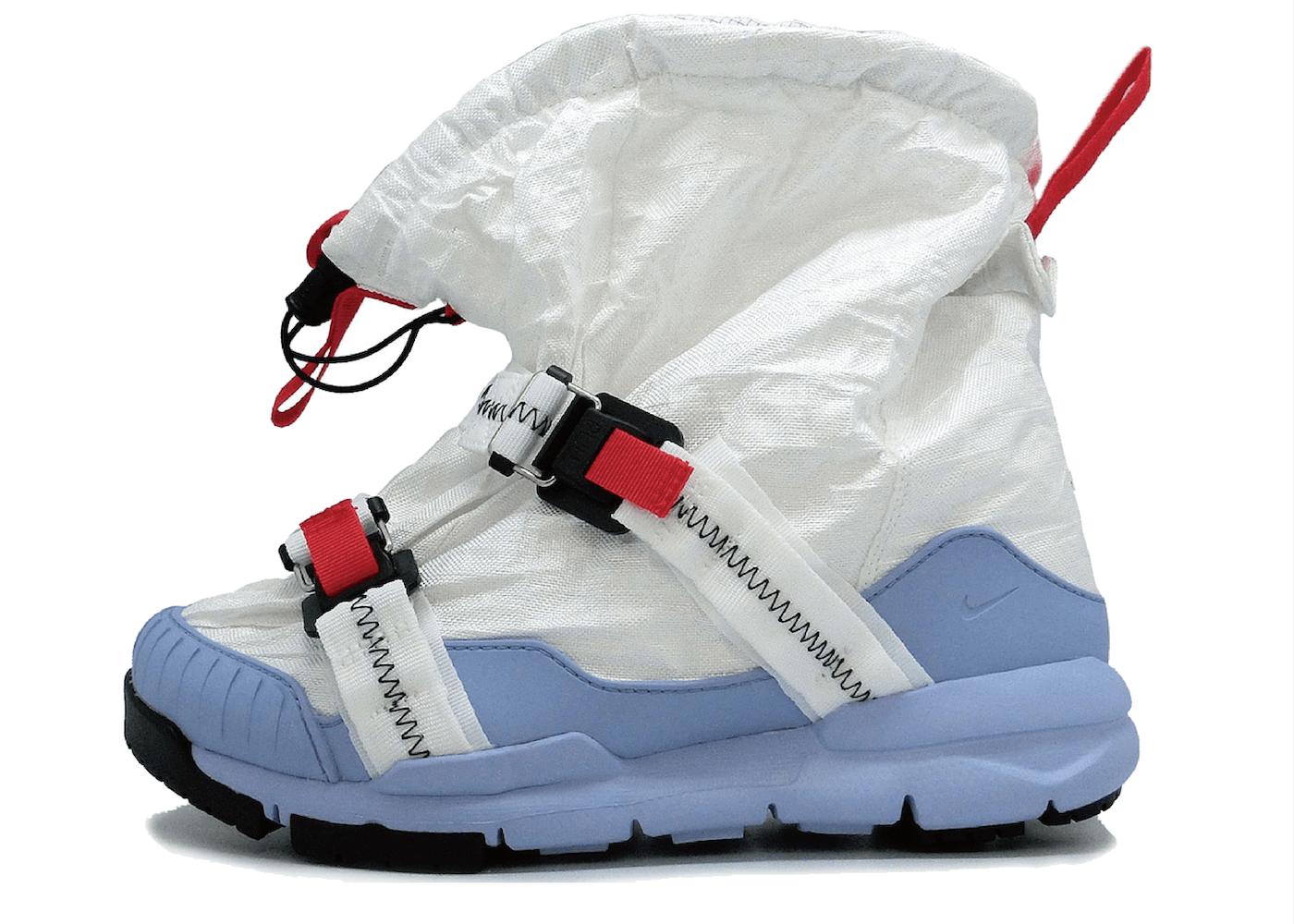 Nike Mars Yard Overshoe Tom Sachsの写真